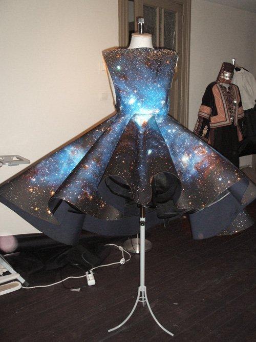 OMGosh!!! I love this dress. Man, I am definitely gonna have to head ...